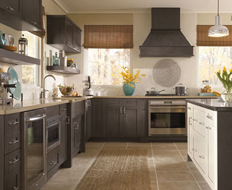 KITCHENS &<br/>CABINETS
